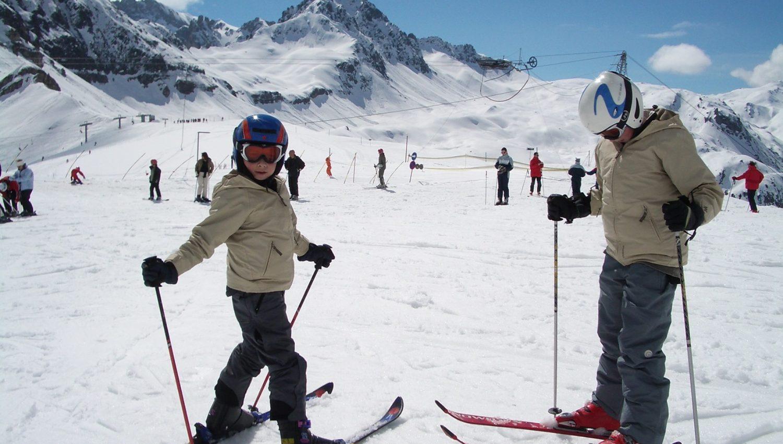 Ski-Lessons-Joel-and-Oliver2
