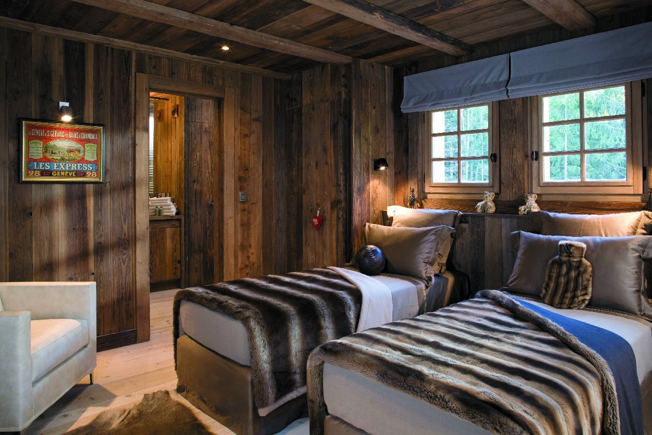 Chalet amazon creek in chamonix france white blancmange for Design hotel ski