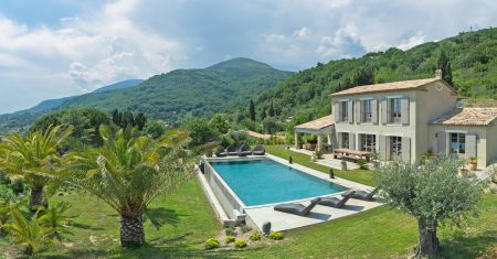 Villa Baside Aixoise Luxury Accommodation