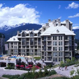 whistler-hotel-pan-pacific-mountainside-a-village-15